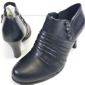 "NURTURE BLACK LEATHER BOOTIES (sz 6M) 2.5"" Heels"